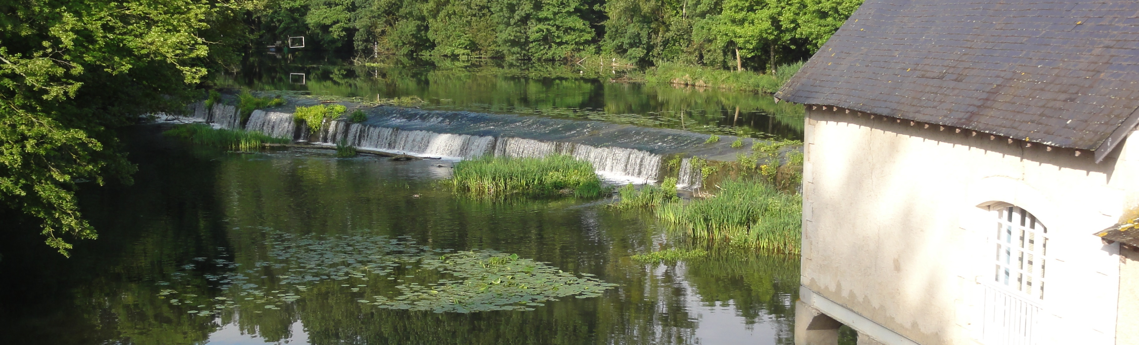 barrage du clain à Chasseneuil-du-poitou au niveau de la base nautique